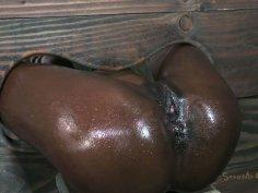 Restreined ebony chick Ana Foxxx facefuck