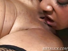 Black lesbians moan with pussy licking