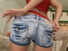 Pulling her shorts away Lulu Martinez enjoys the masturbation