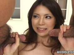 Sexy brunette chick Rino Asuka loves sucking two cocks